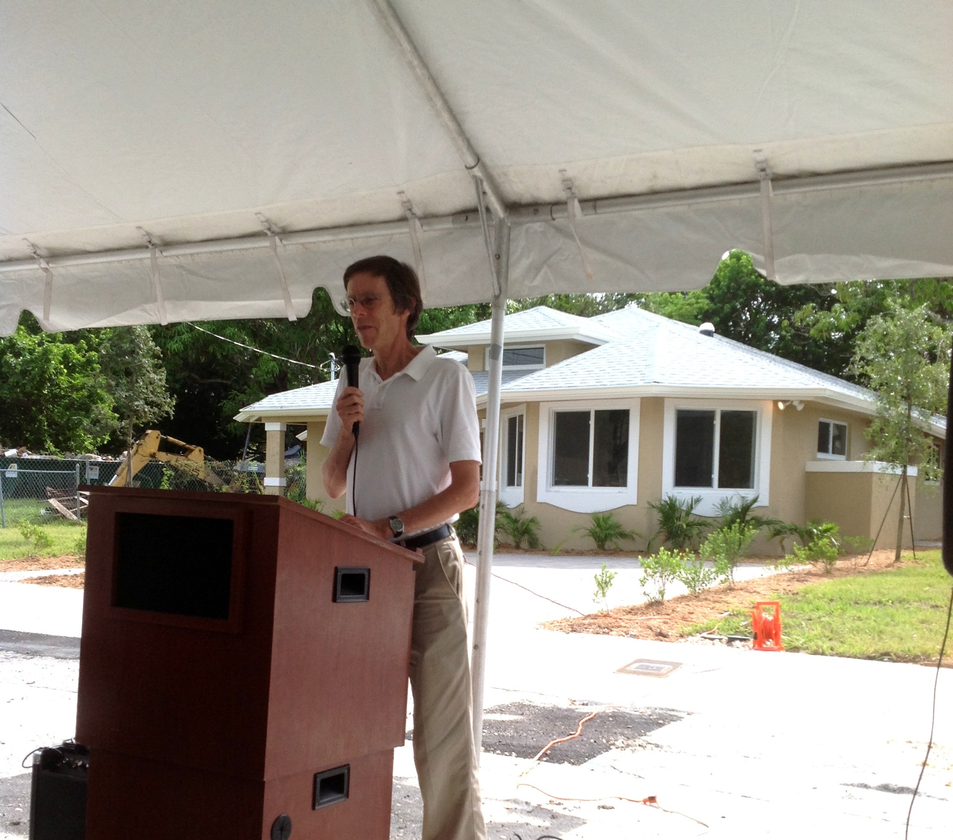Mayor Speaking at the Ribbon Cutting